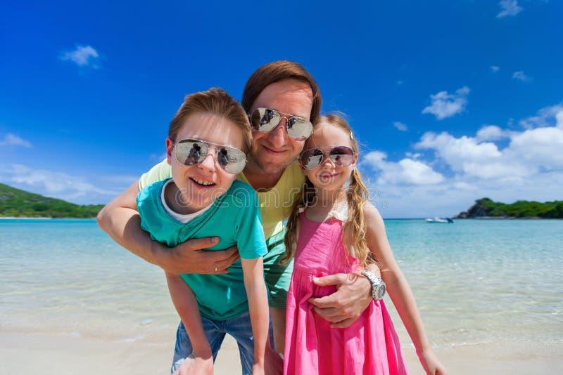 Ojciec i dzieciaki zdjęcie royalty free