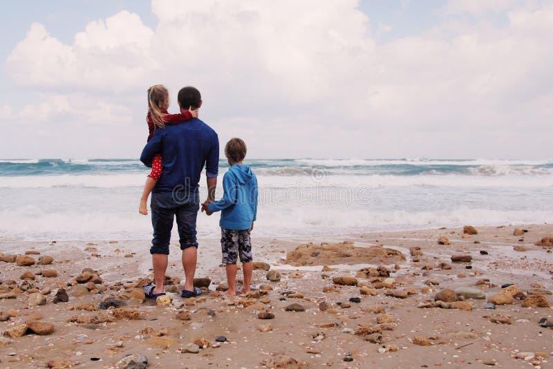 Ojciec, syn i córka, fotografia royalty free