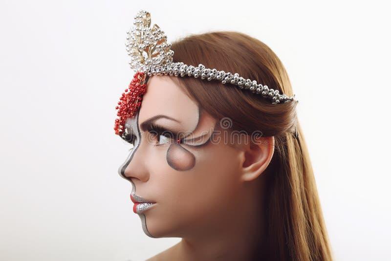 Ojo de la mujer con maquillaje hermoso Imagen de alta calidad de los labios rojos fotografía de archivo libre de regalías