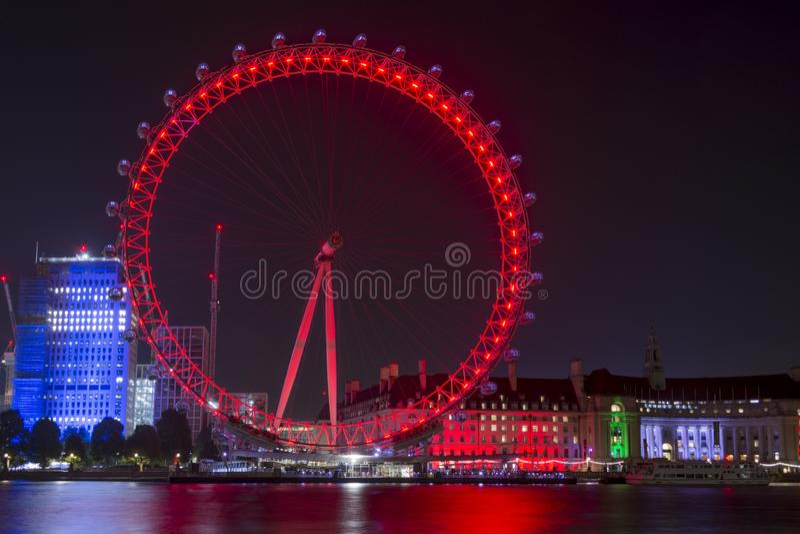 Ojo de Londres en la noche imágenes de archivo libres de regalías