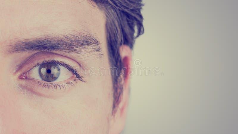 Ojo de un hombre foto de archivo libre de regalías