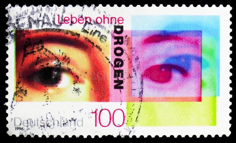 Ojos de una mujer, vida sin serie de las drogas, circa 1996 imagen de archivo