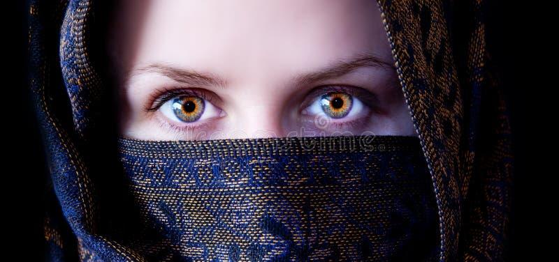 Ojos hipnóticos imagenes de archivo