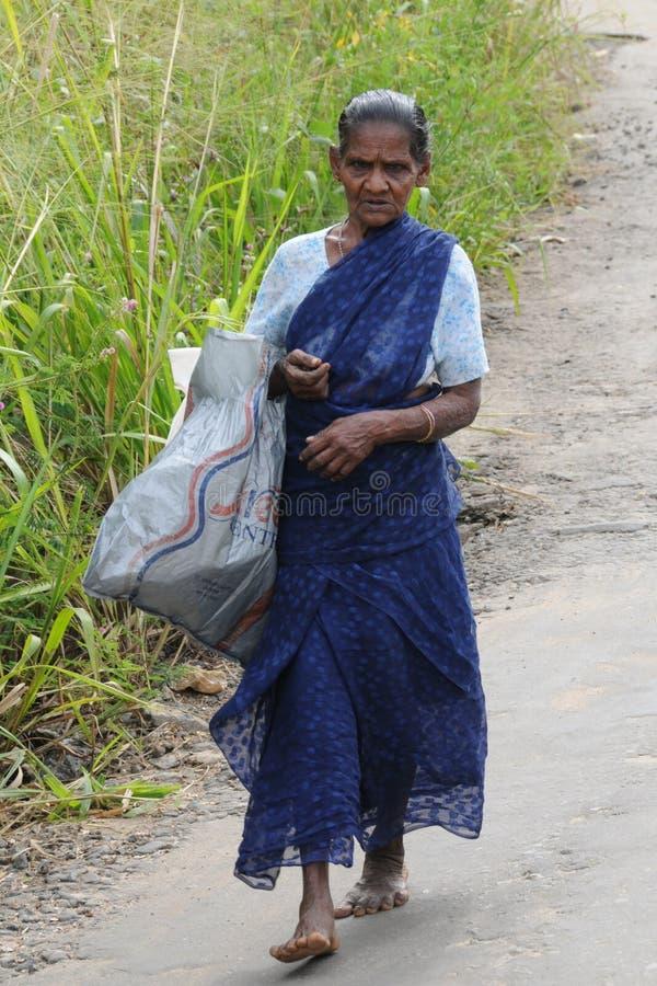 Okänd äldre kvinna från Kandy royaltyfria bilder