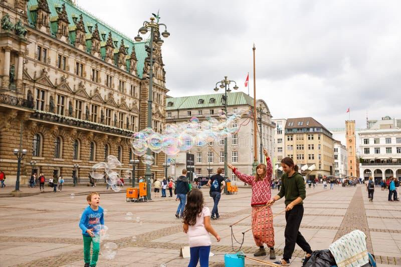 Okända gatakonstnärer arkivfoto
