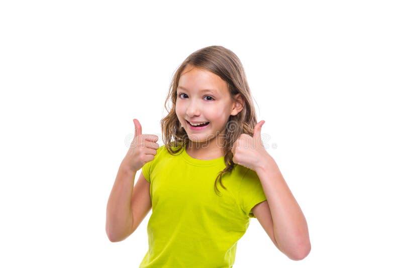 Ok gesttumme upp lycklig ungeflicka för säckväv på vit fotografering för bildbyråer