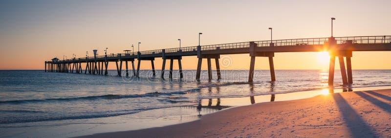 Okaloosa que pesca Pier Fort Walton Beach Florida imagem de stock royalty free