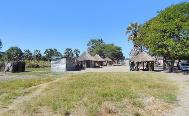 Okavango三角洲的土产村庄 免版税库存图片