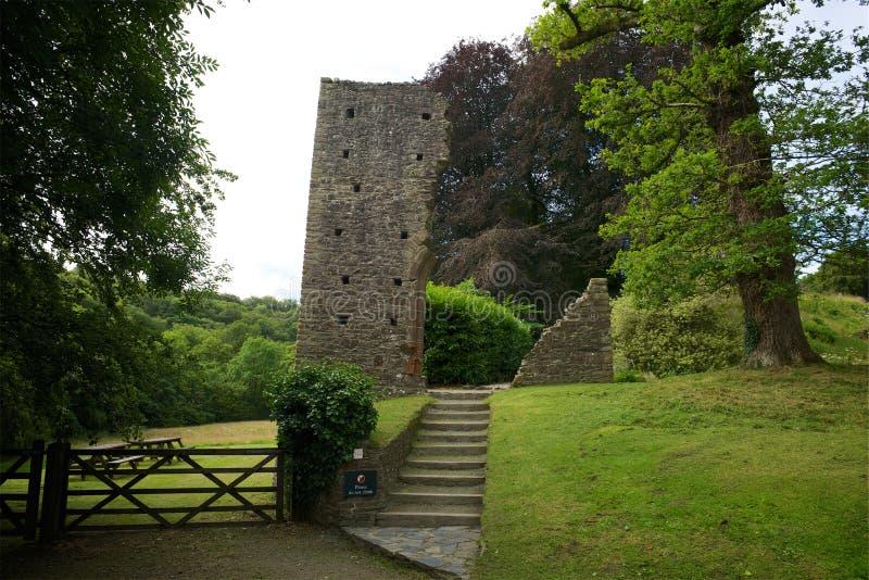 Okehampton-Schloss Cornwall Großbritannien lizenzfreie stockbilder