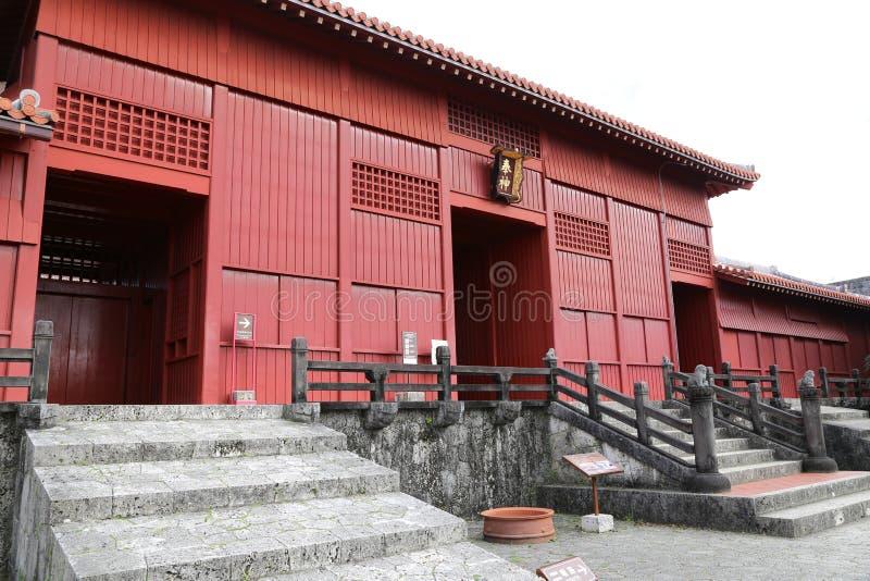 OKINAWA - 8 DE OCTUBRE: Castillo de Shuri en Okinawa, Japón el 8 de octubre de 2016 fotografía de archivo