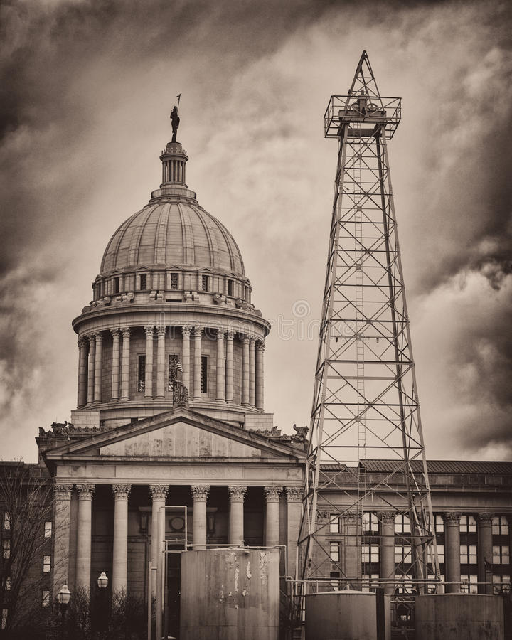 Download Oklahoma State Capitol Building Stock Photo - Image: 28439594