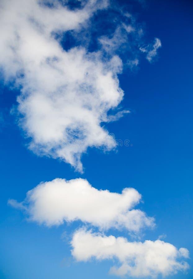 Download Oklarheter arkivfoto. Bild av cloudscape, soligt, fluffigt - 3538926