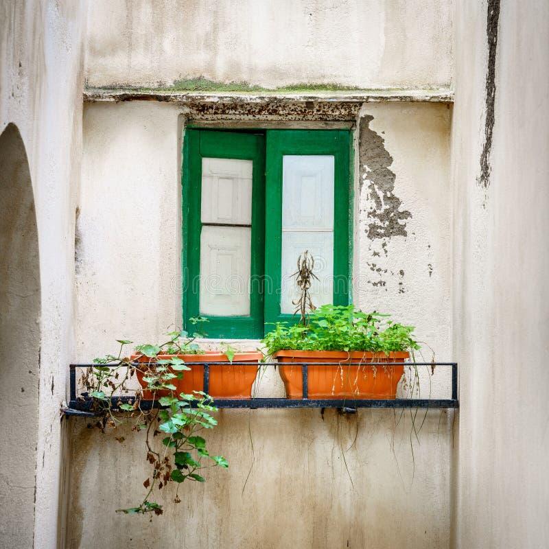 Okno domowe w Salnie zdjęcia royalty free
