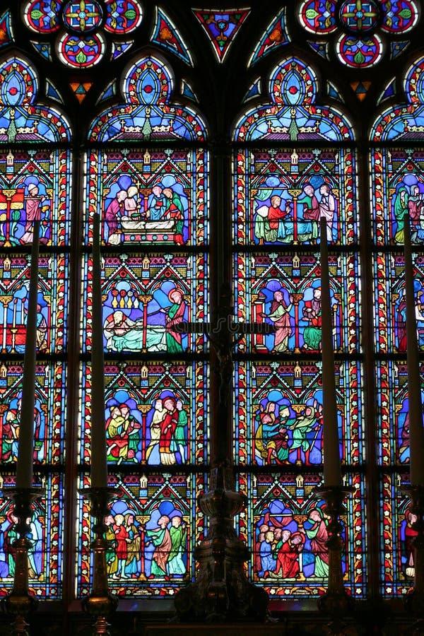 Okno i krzyż fotografia stock