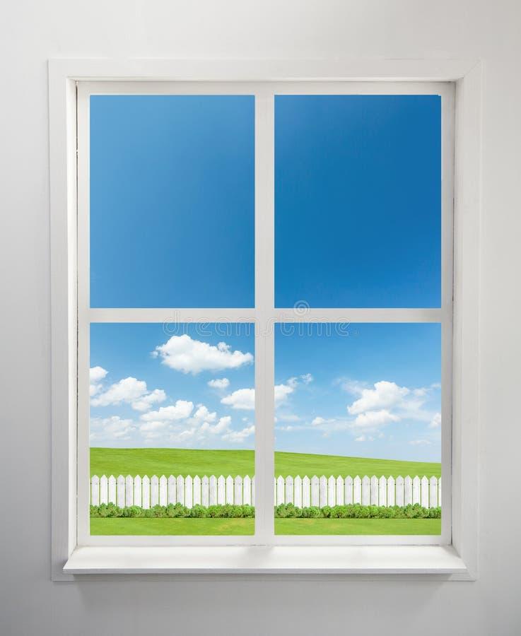 Okno i ogród obrazy stock