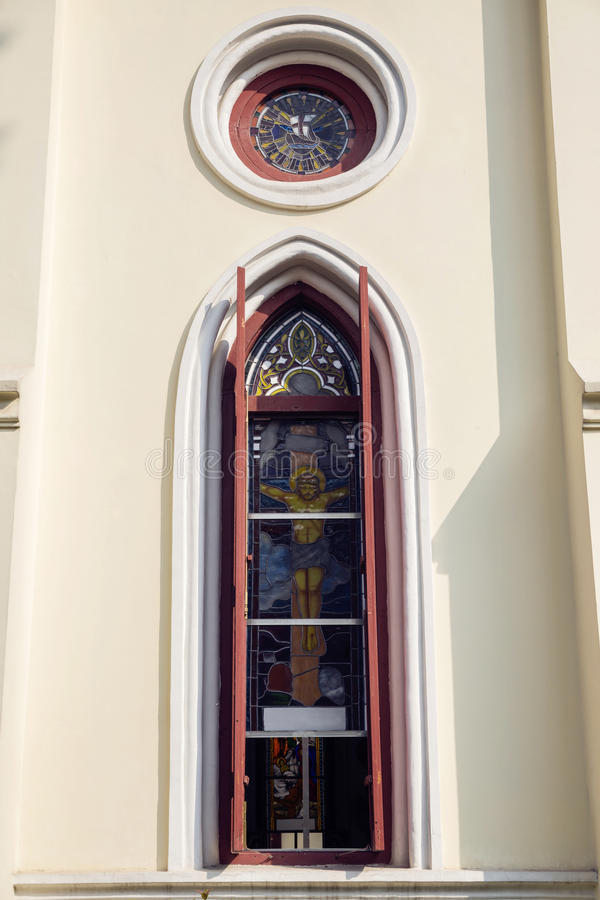 Okno kościół z obrazem stacje krucyfiks lub krzyż obraz stock