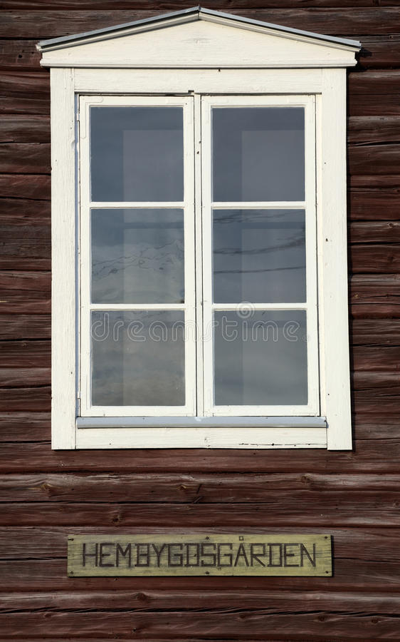 Okno Szwedzki Hembygdsgaard, historyczny rolny budynek obrazy royalty free