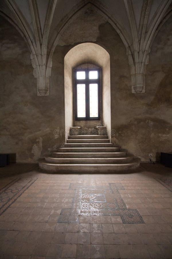 Okno w Corvin kasztelu, Rumunia obrazy royalty free
