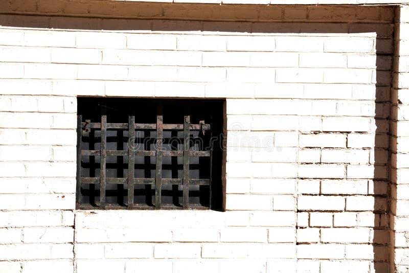Okno z metal kratownicą fotografia stock