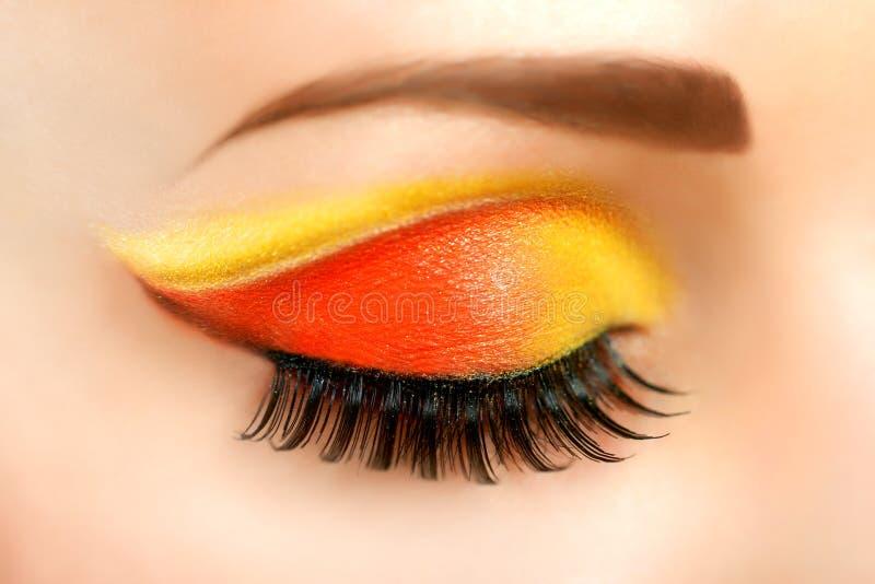 Oko z pięknym mody brigh makeup zdjęcie royalty free
