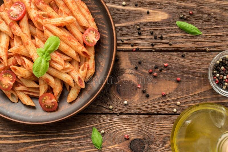 Okokt spagetti, penne, tagliatelle och farfalle fotografering för bildbyråer