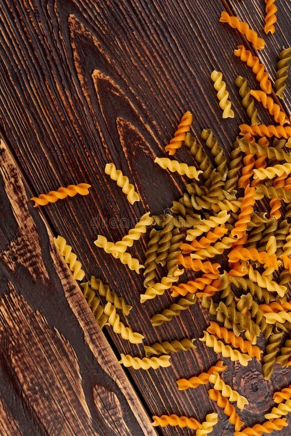 Okokt spiral pasta, bästa sikt royaltyfria bilder