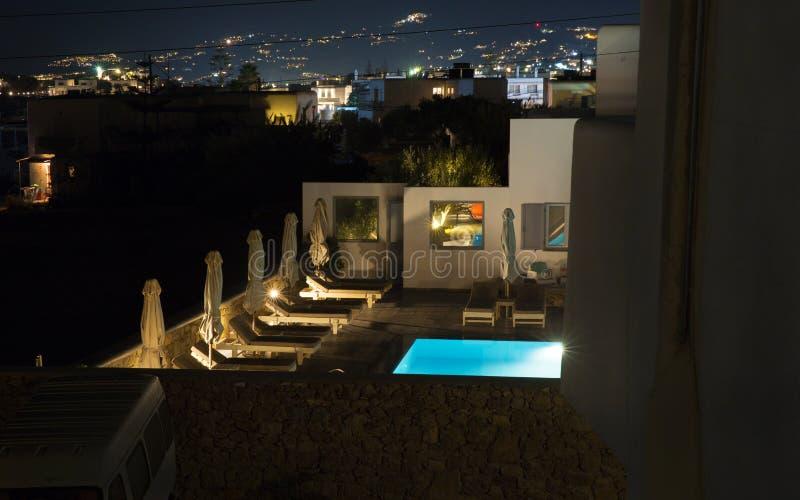 Okoliczny hotel z basenem obrazy royalty free