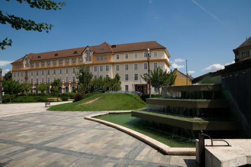 Okręg administracyjny sala na urzędu miasta kwadracie w Miskolc - fotografia stock
