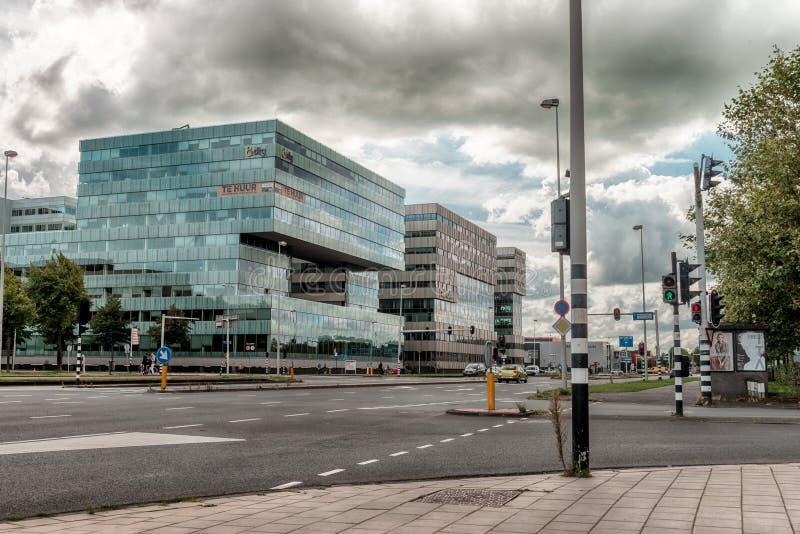 Okręg finansowy w Amsterdam Bijlmer, budynki biurowe Modern, okręg biznesowy Amsterdam Arena park, Southeast, moody clo obrazy stock