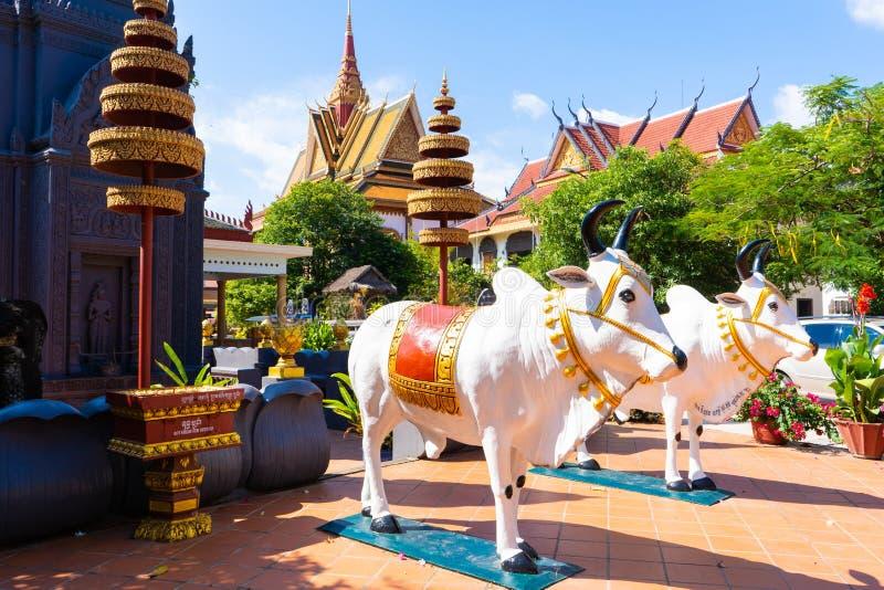 26 Oktober 2018-Siem oogst:: beeldhouwwerk in Wat Preah Prom Rath royalty-vrije stock afbeeldingen