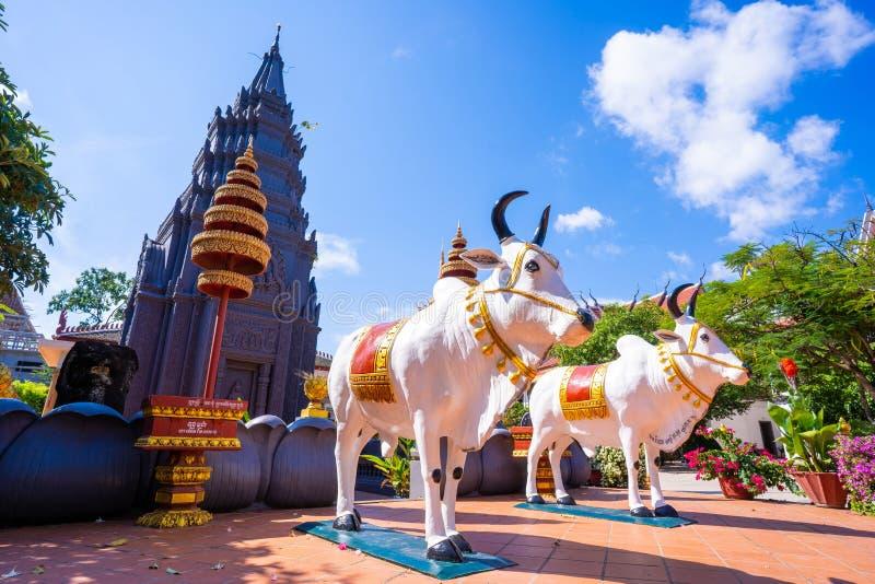 26 Oktober 2018-Siem oogst:: beeldhouwwerk in Wat Preah Prom Rath royalty-vrije stock afbeelding