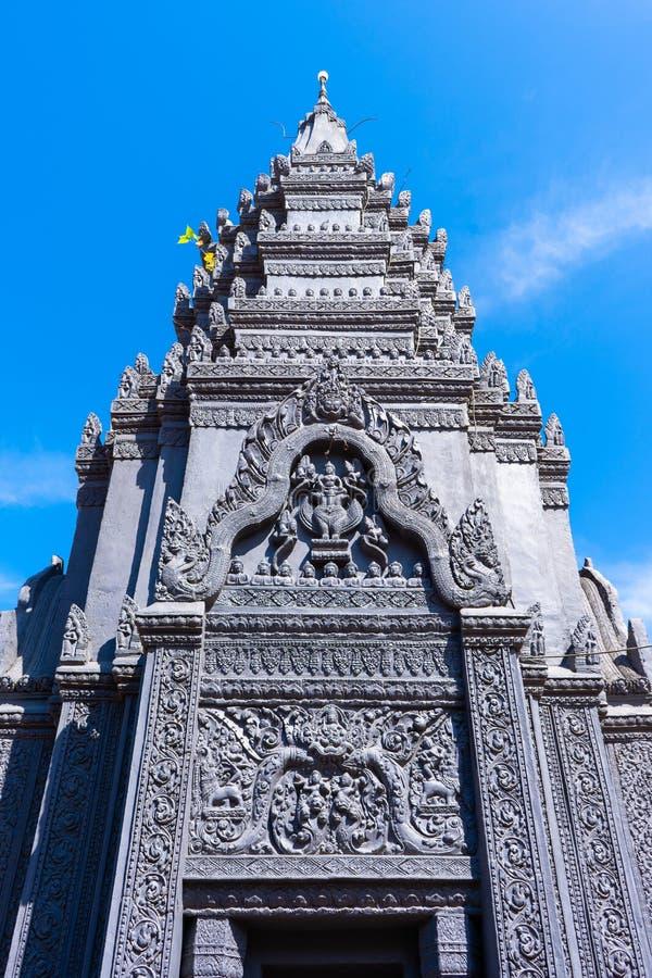 26 Oktober 2018-Siem oogst:: beeldhouwwerk in Wat Preah Prom Rath royalty-vrije stock foto's
