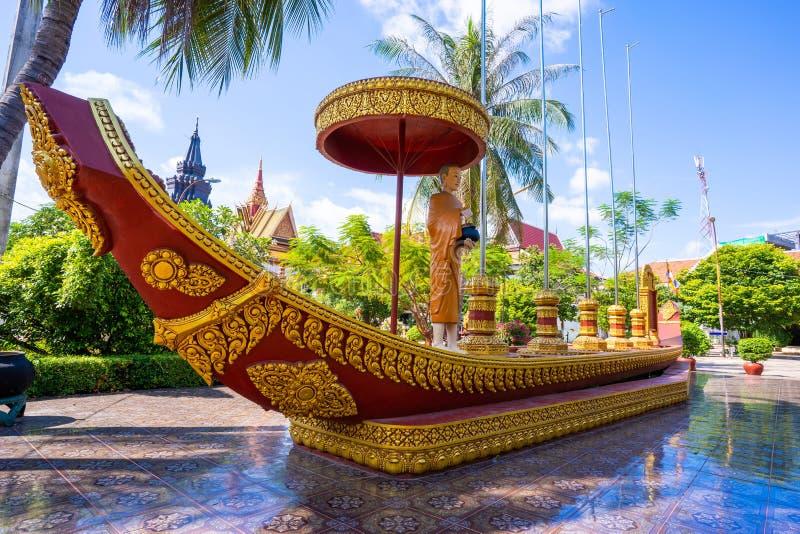 26 Oktober 2018-Siem oogst:: beeldhouwwerk in Wat Preah Prom Rath stock foto