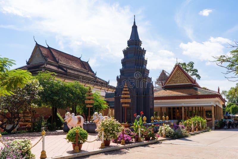 26 Oktober 2018-Siem oogst:: beeldhouwwerk in Wat Preah Prom Rath royalty-vrije stock fotografie