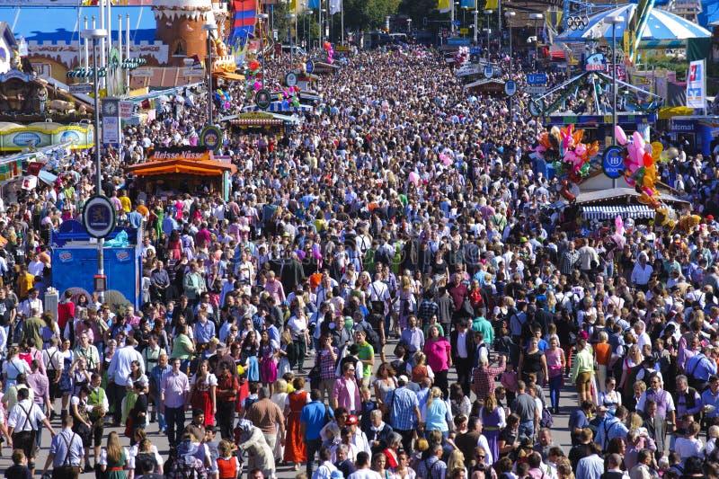 Oktoberfest in München stock afbeeldingen