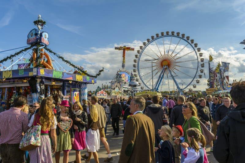 Oktoberfest 2015 in München, Duitsland stock foto