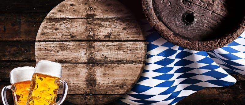Oktoberfest wciąż życia horyzontalny sztandar zdjęcie royalty free