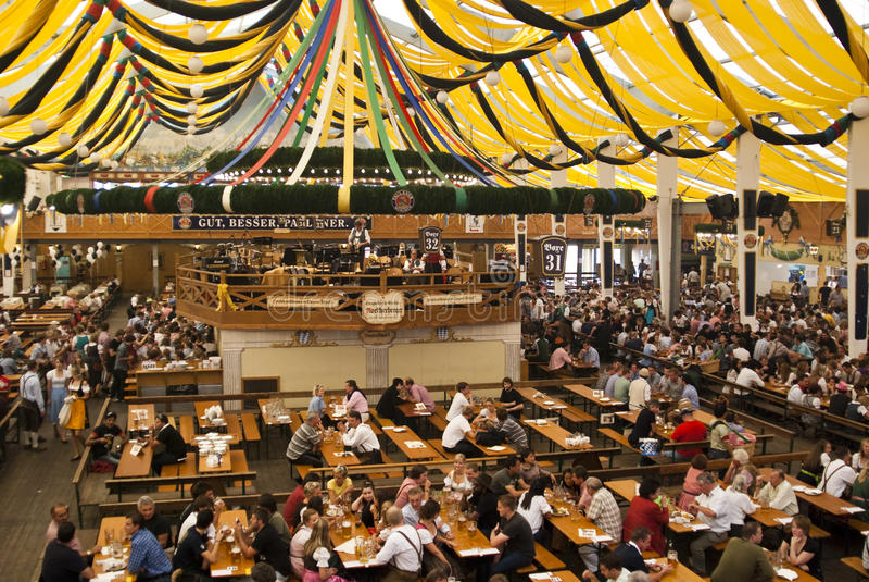 Oktoberfest Zelt stockbilder