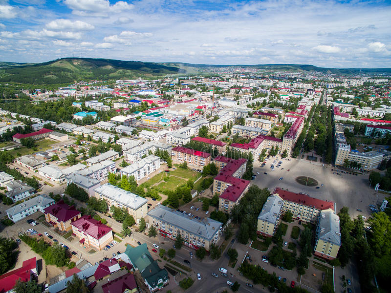 Oktyabrsky-Stadt, Vogelperspektive Bashkortostan lizenzfreies stockbild