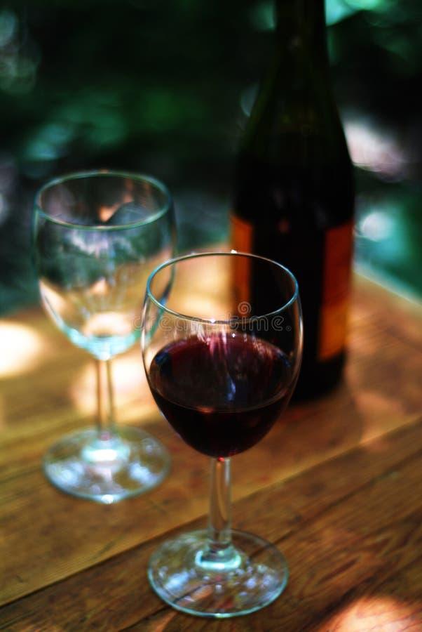 okularów butelek wina fotografia stock