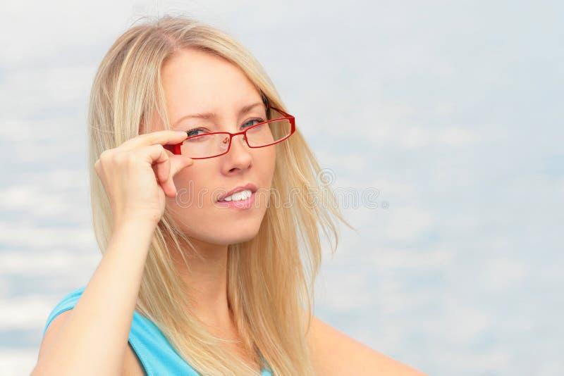 okulary czerwone dziewczyn zdjęcia royalty free