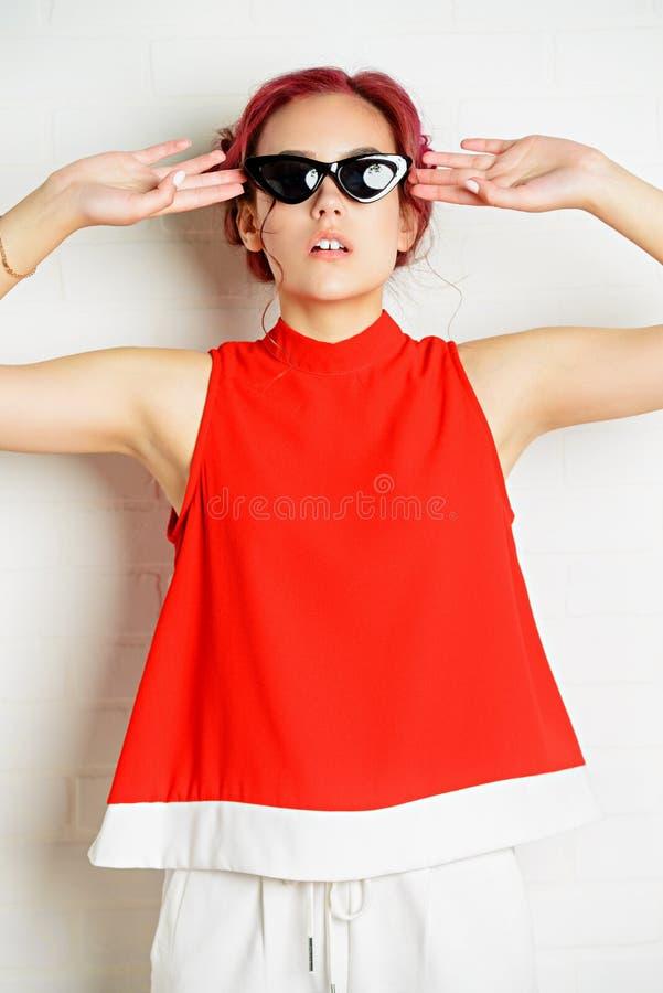 Okulary przeciwsłoneczni dla młodości zdjęcie stock