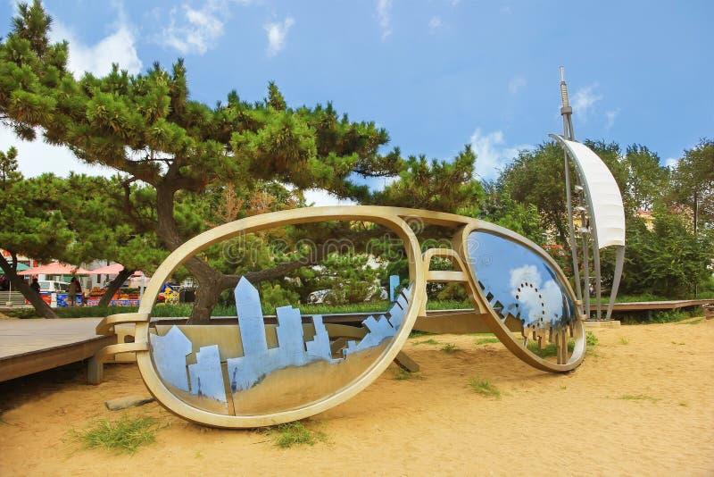 Okulary przeciwsłoneczni kształt na plaży Beidaihe, Chiny zdjęcia royalty free