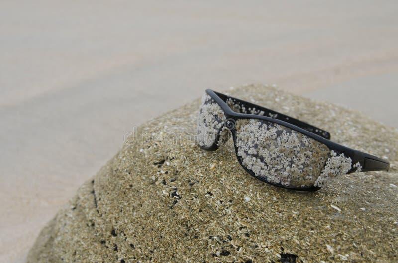 Okulary przeciwsłoneczni na plaży 7 zdjęcia stock