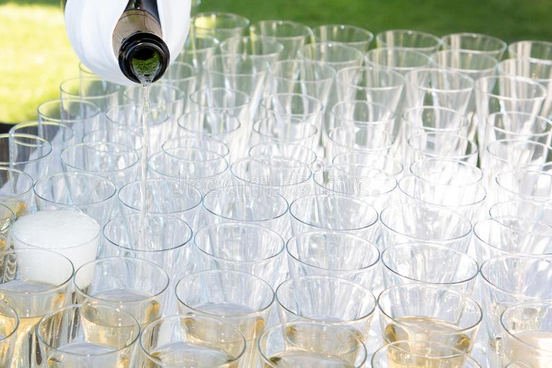 Okulary z winem szampana z białym winem na imprezach handlowych zdjęcie royalty free