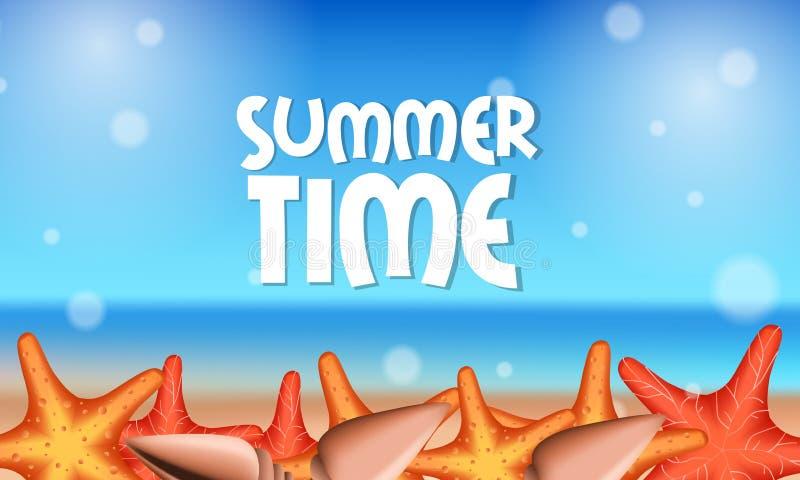Olá! praia bonita da parte externa tropical das horas de verão com a estrela do mar na areia imagens de stock