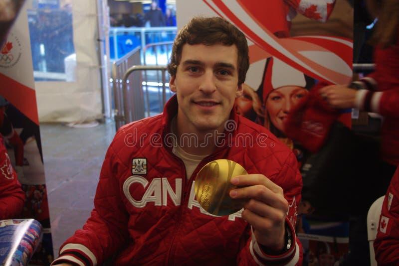 Olímpico canadiense Denny Morrison de la medalla de oro imagenes de archivo