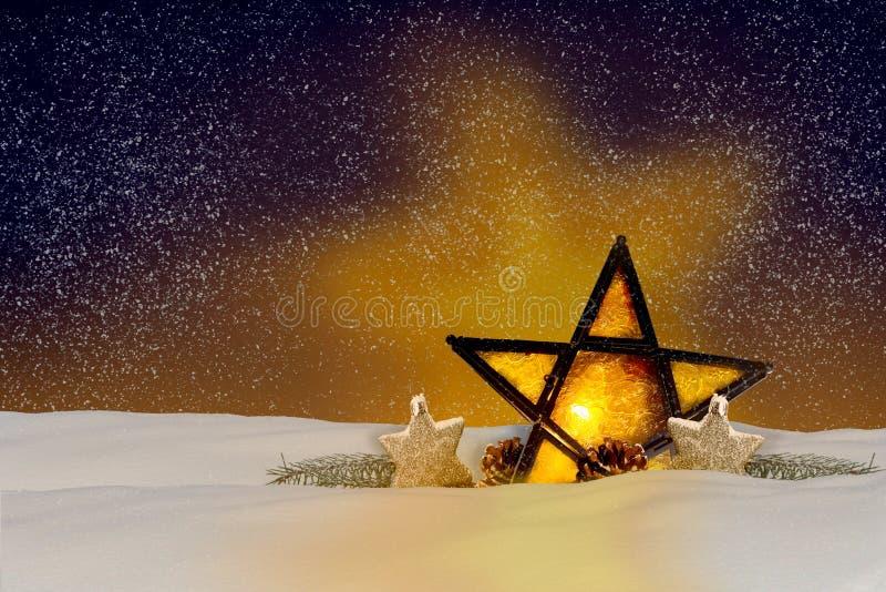 Olśniewająca boże narodzenie gwiazda przy nocą fotografia royalty free