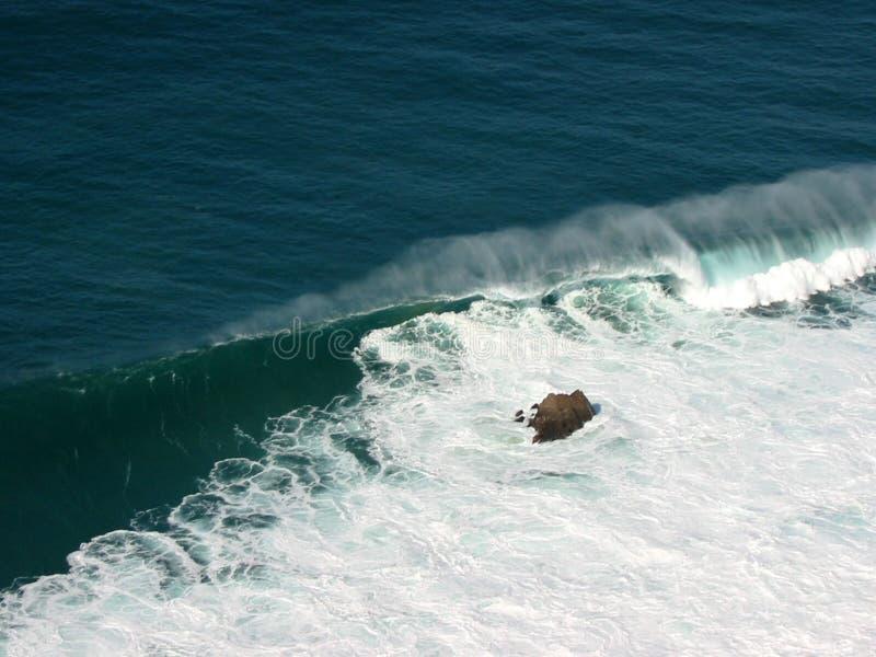 Ola oceánica imagen de archivo