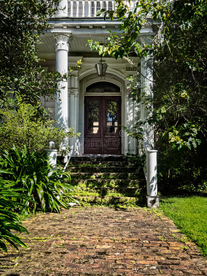 Old Abandon House Entrance on St. Charles Ave New Orleans stock images